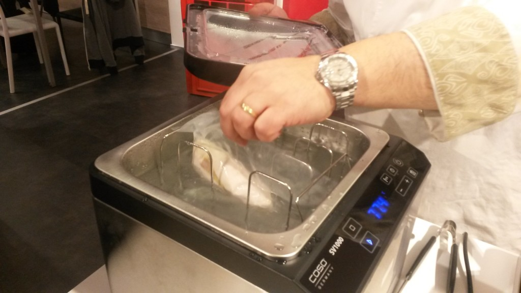 macchina per cucinare sottovuoto a bassa temperatura
